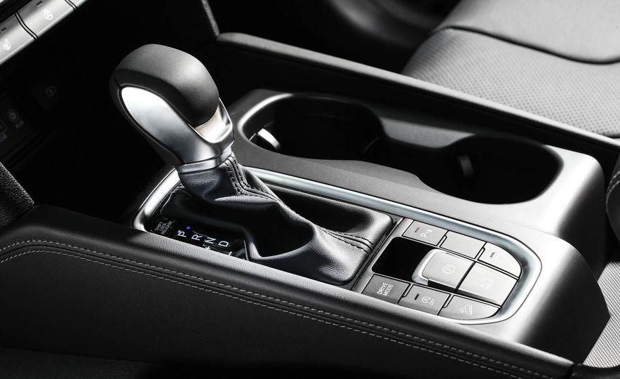 2019 Hyundai Santa Fe (Korea-spec) - Slide 18