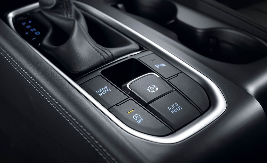 2019 Hyundai Santa Fe (Korea-spec) - Slide 19