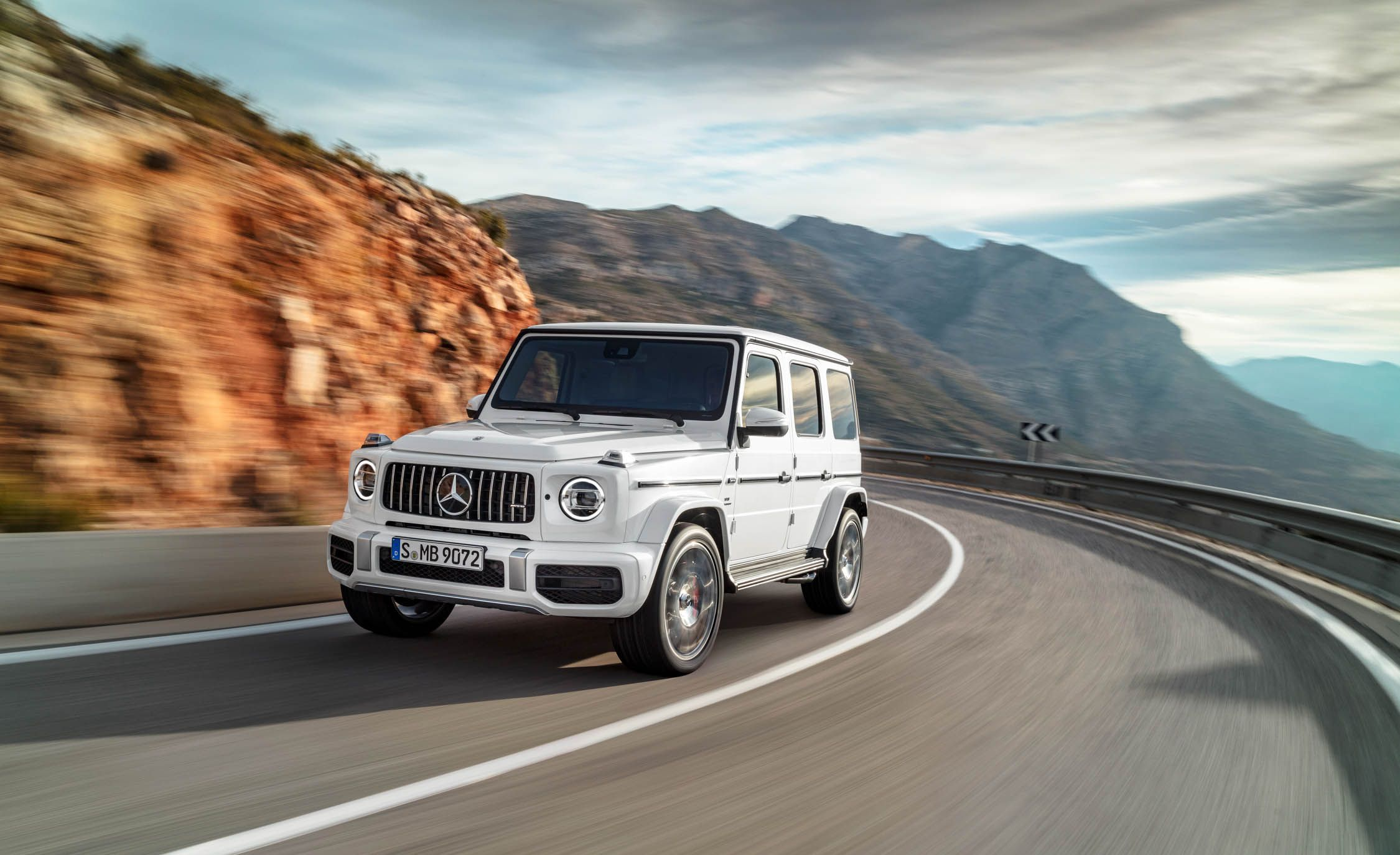 Mercedes AMG G63 / G65 4Matic Reviews | Mercedes AMG G63 / G65 4Matic  Price, Photos, And Specs | Car And Driver