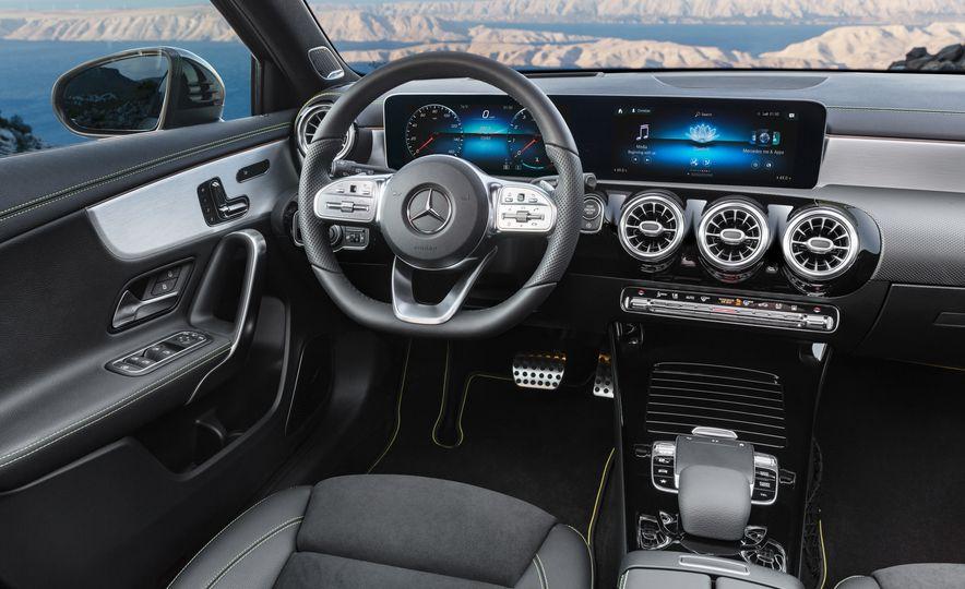 2019 Mercedes-Benz A-class - Slide 24