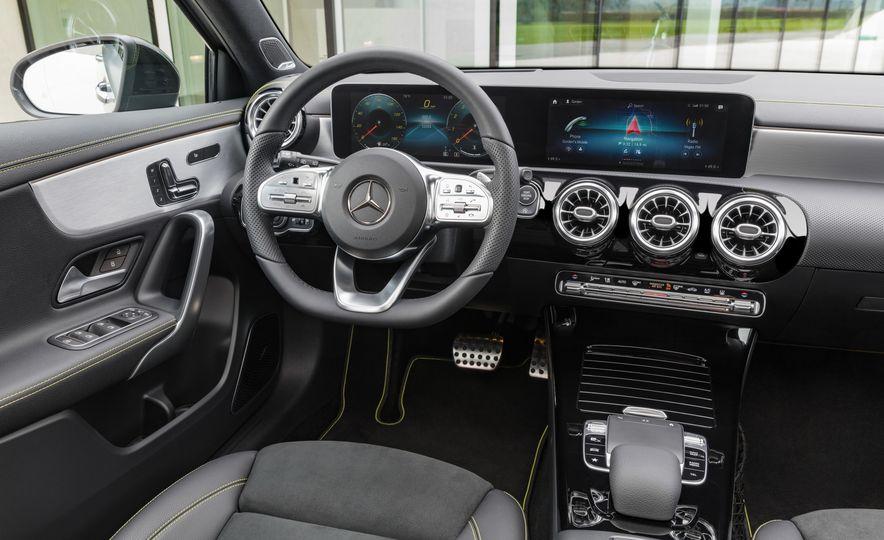 2019 Mercedes-Benz A-class - Slide 25