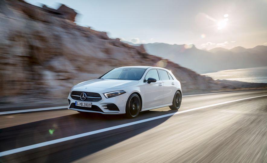 2019 Mercedes-Benz A-class - Slide 32