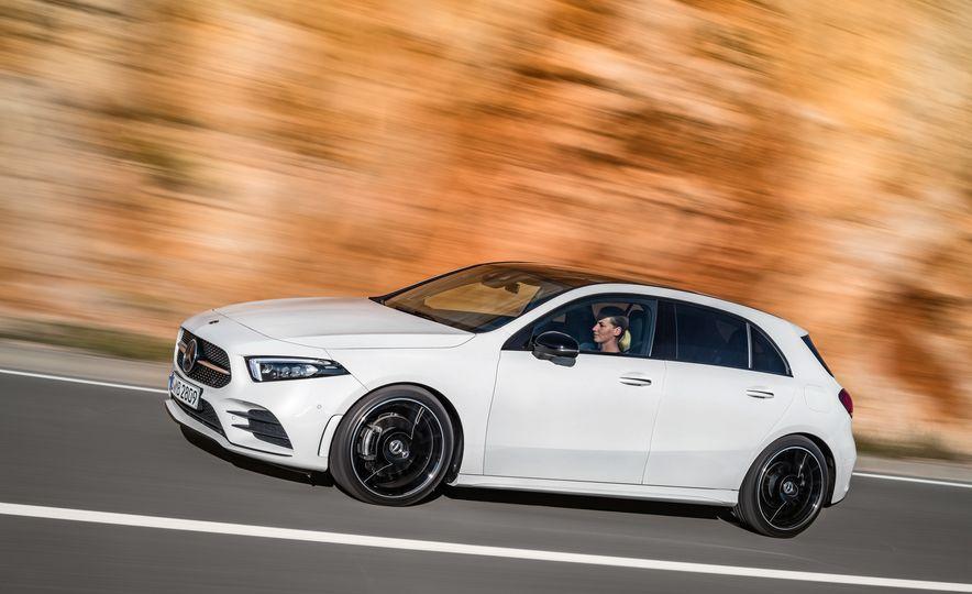 2019 Mercedes-Benz A-class - Slide 35
