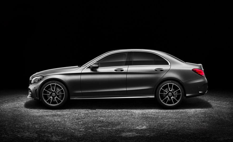 2019 Mercedes-Benz C-class - Slide 1