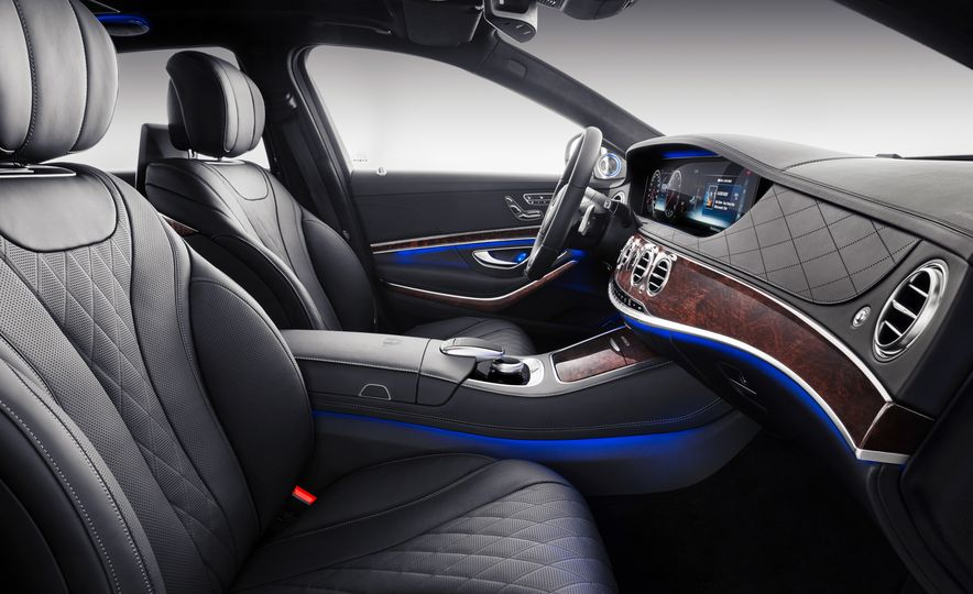 2019 Mercedes-Maybach S560 sedan - Slide 5