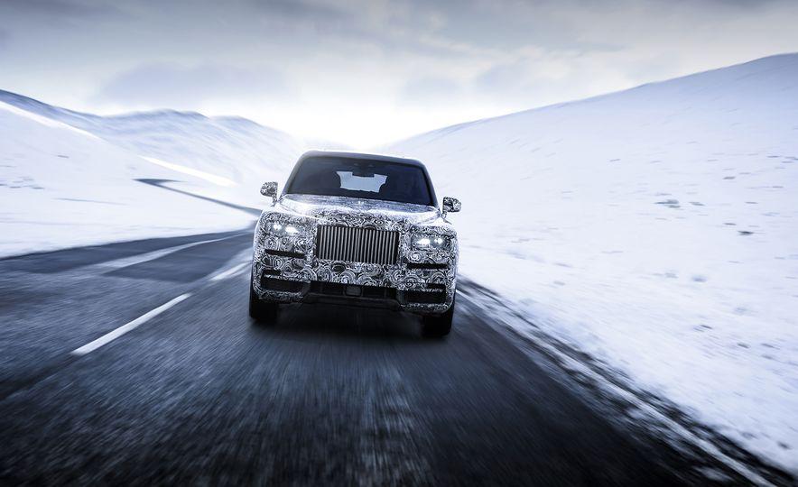 Rolls-Royce Cullinan - Slide 4