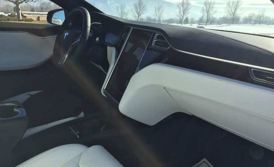 Armormax 2018 Tesla Model S P100D Armored Car - Slide 3