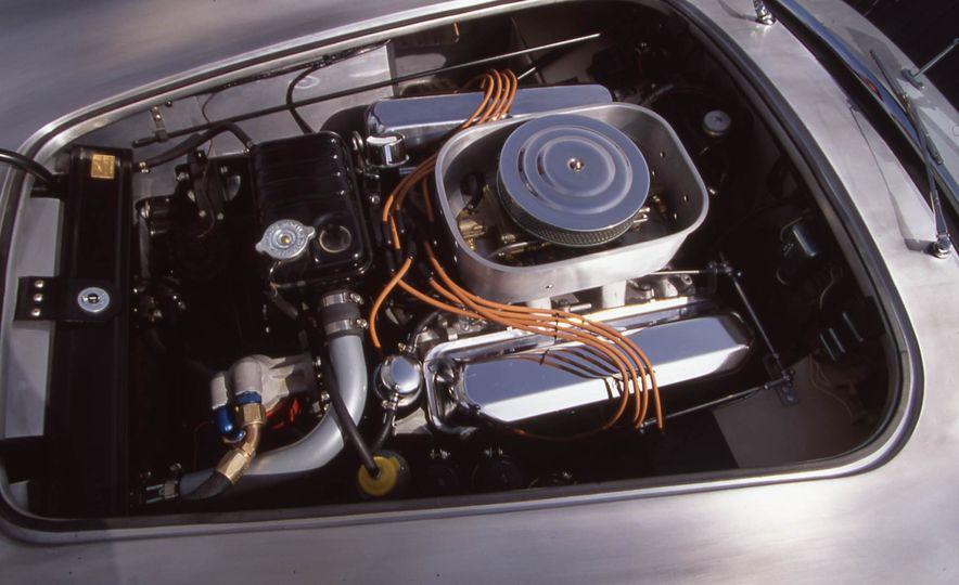 Original Dodge Viper RT/10 vs. Shelby 427SC Cobra - Slide 9