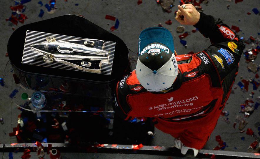 Harley J. Earl Daytona 500 Trophy - Slide 17