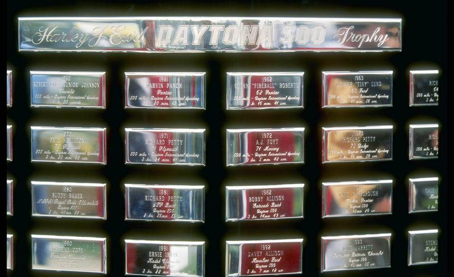 Harley J. Earl Daytona 500 Trophy - Slide 6