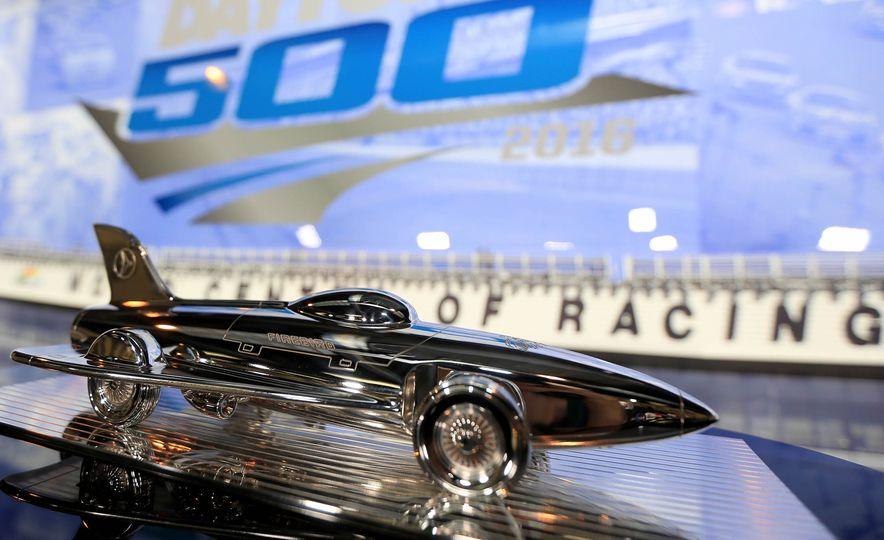 Harley J. Earl Daytona 500 Trophy - Slide 4