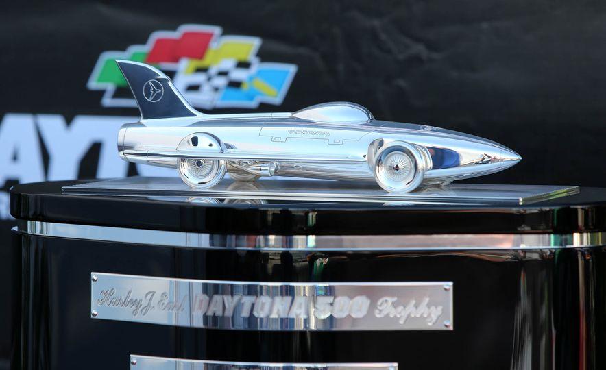 Harley J. Earl Daytona 500 Trophy - Slide 5