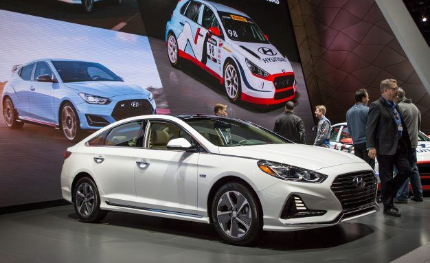 Updated 2018 Hyundai Sonata Hybrid and Plug-In Hybrid Play Catch-Up