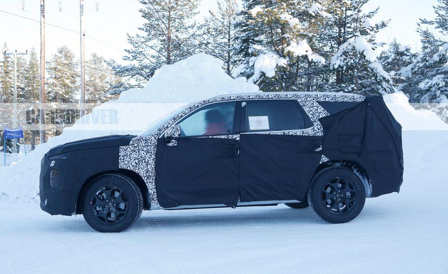 Hyundai three-row 8-seat SUV (spy photos) - Slide 5