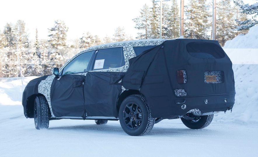 Hyundai three-row 8-seat SUV (spy photos) - Slide 6
