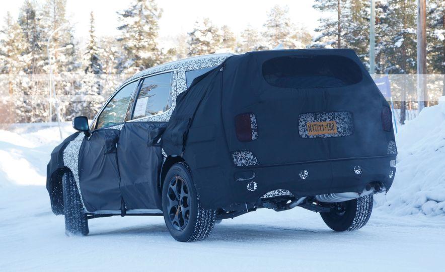 Hyundai three-row 8-seat SUV (spy photos) - Slide 7