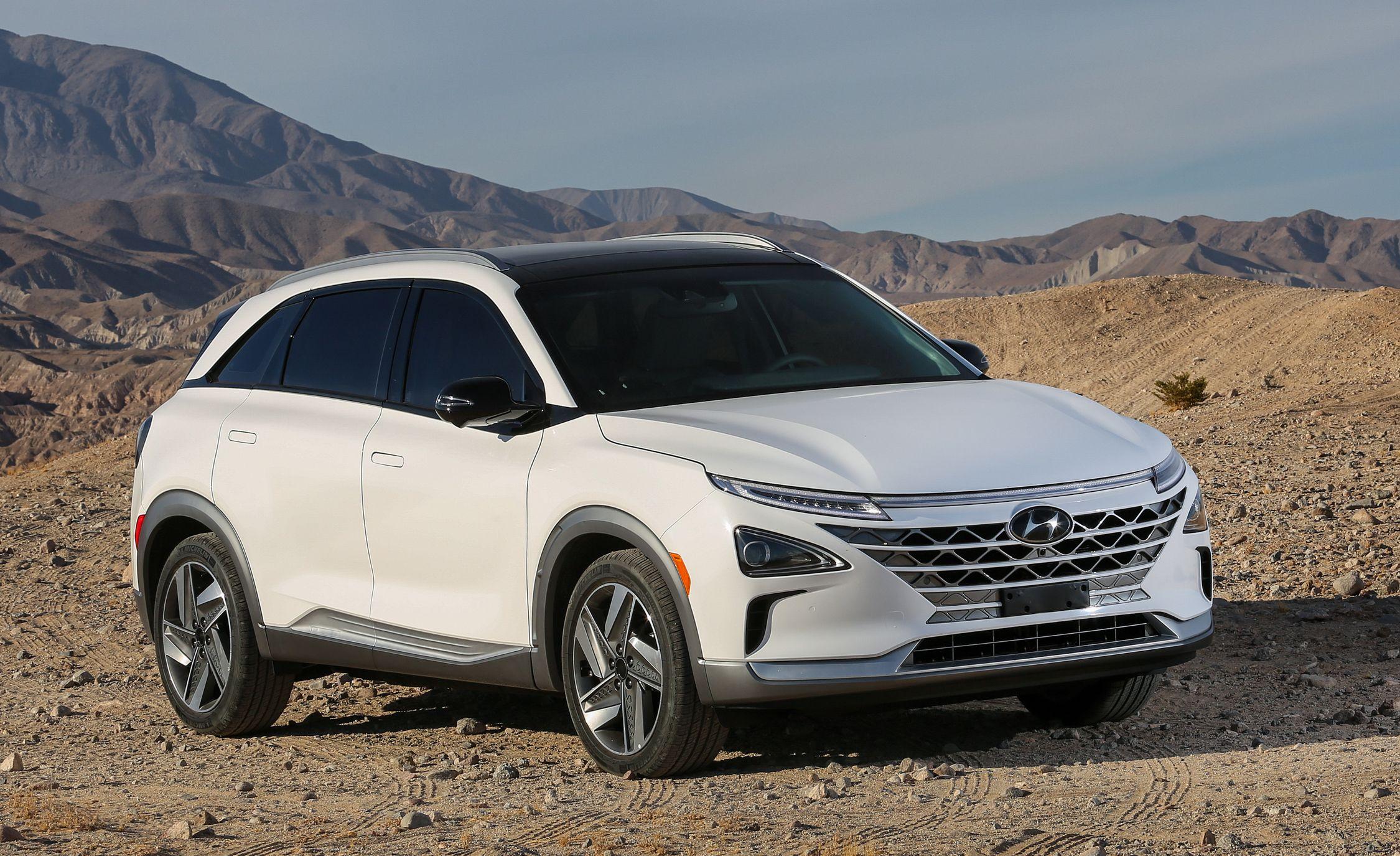 Hyundai nexo reviews hyundai nexo price photos and specs car hyundai nexo reviews hyundai nexo price photos and specs car and driver fandeluxe Images