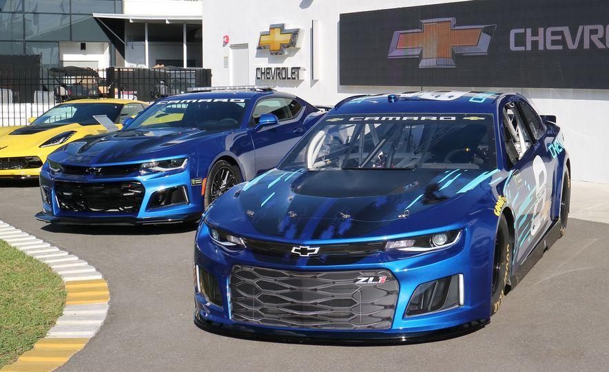 Shake 'n' Bake: NASCAR's New Camaro ZL1 Racer Actually Looks Like the Production Version - Slide 9