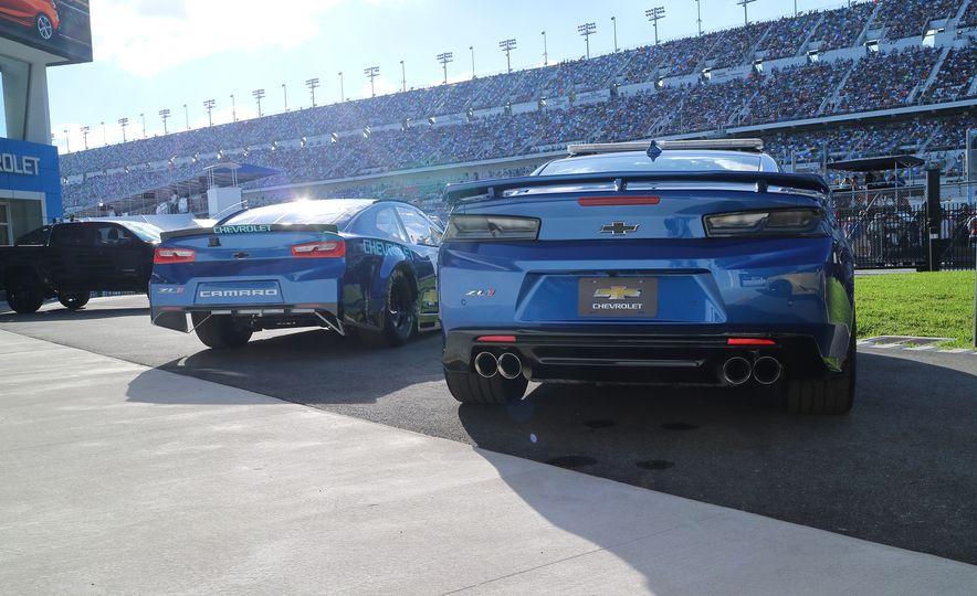 Shake 'n' Bake: NASCAR's New Camaro ZL1 Racer Actually Looks Like the Production Version - Slide 2