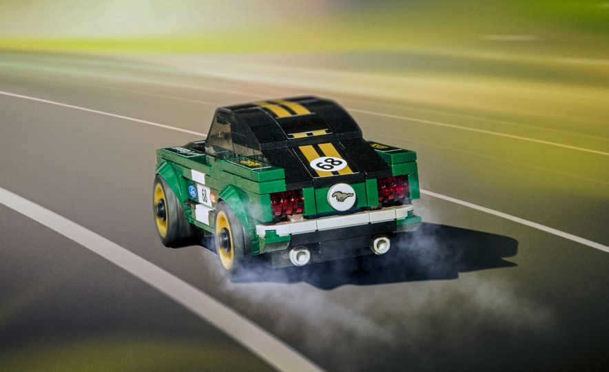 LEGO Speed Champions 1968 Ford Mustang fastback - Slide 3