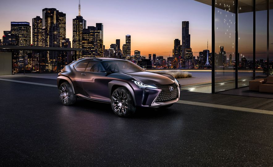 Lexus UX - Slide 4
