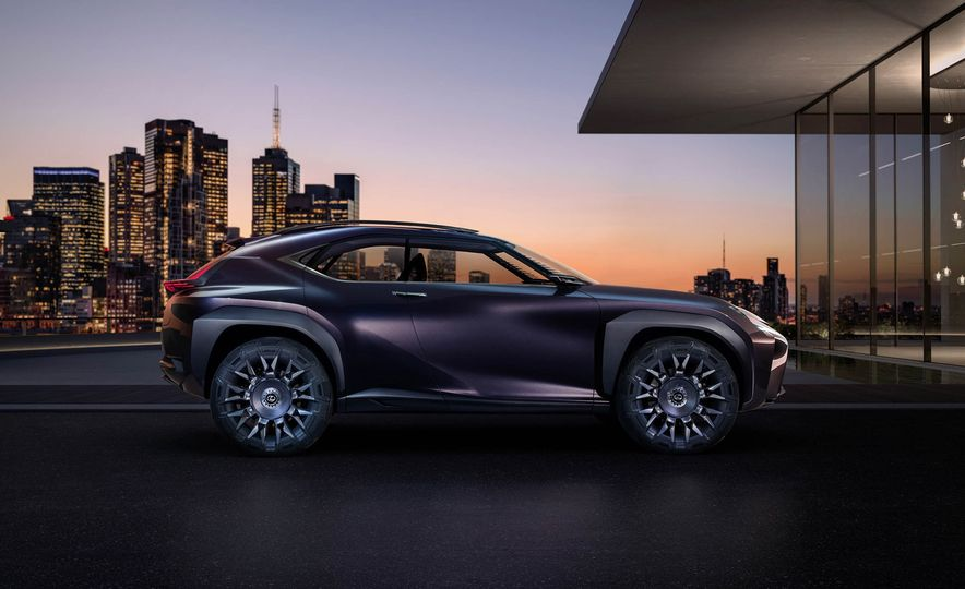 Lexus UX - Slide 5