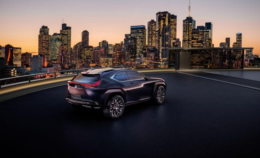 Lexus UX - Slide 7