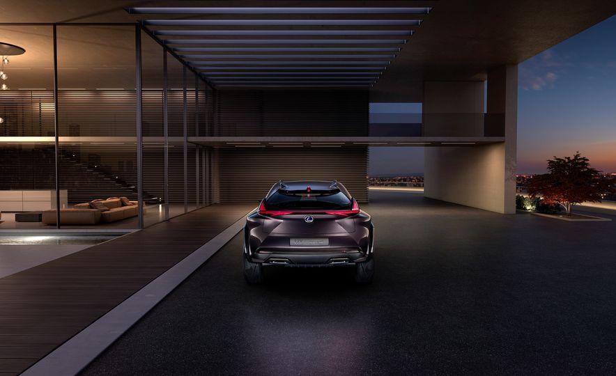 Lexus UX - Slide 8