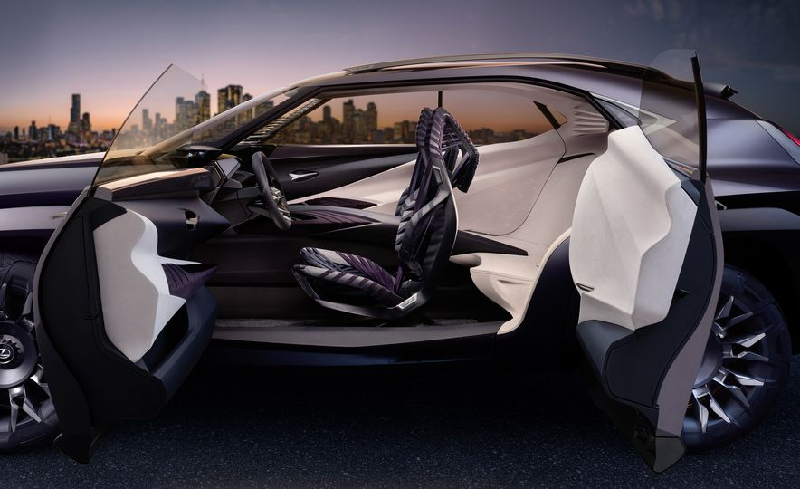 Lexus UX - Slide 13