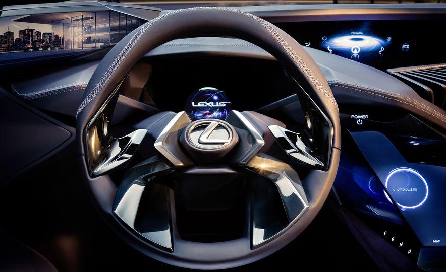 Lexus UX - Slide 17