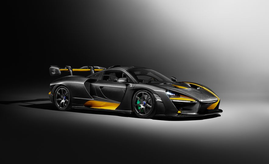 "2019 McLaren Senna ""Carbon Theme"" - Slide 1"