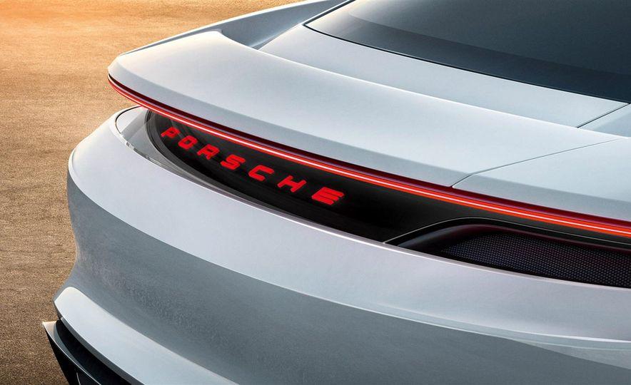 Porsche Mission E concept - Slide 11