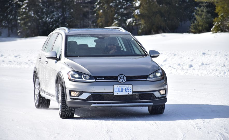 2018 Volkswagen Atlas, Tiguan, Golf Alltrack - Slide 14