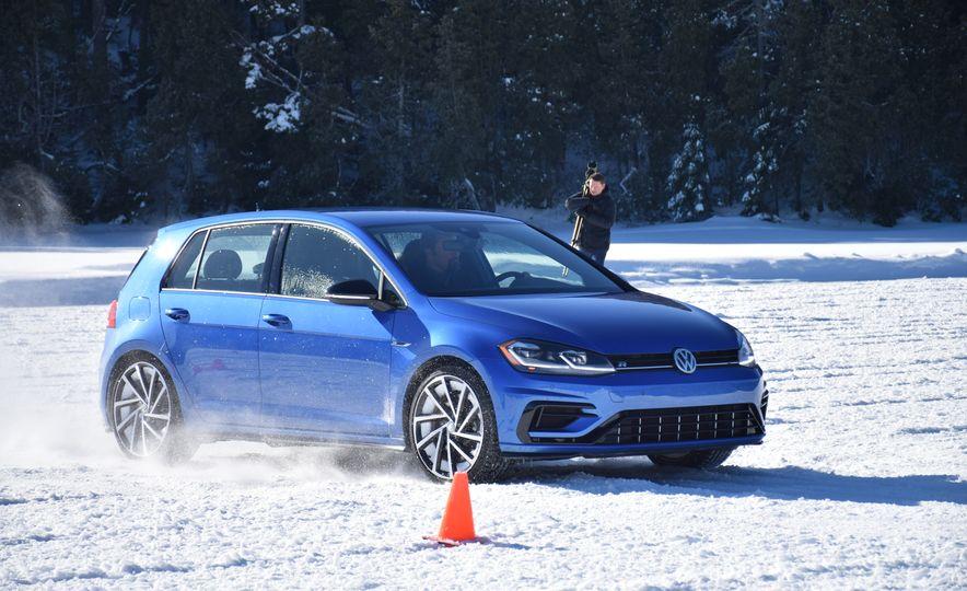 2018 Volkswagen Atlas, Tiguan, Golf Alltrack - Slide 24