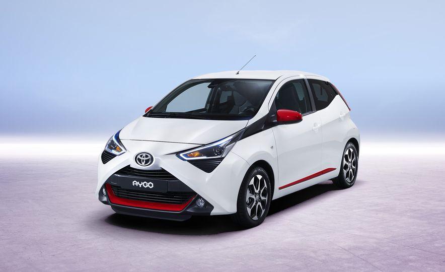 2019 Toyota Aygo (Euro-spec) - Slide 2