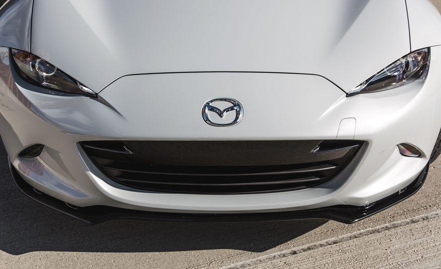 2016 Mazda MX-5 Miata Club - Slide 27