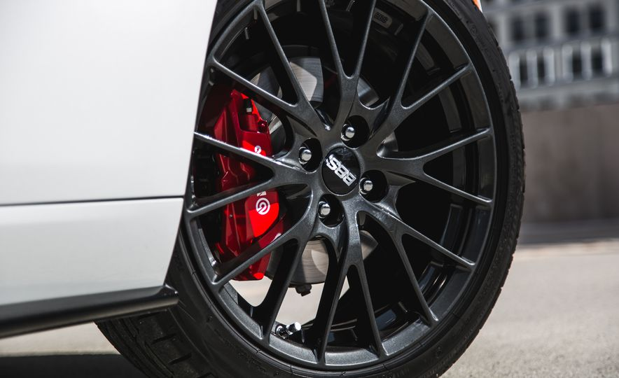 2016 Mazda MX-5 Miata Club - Slide 32