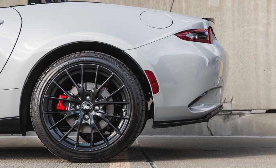 2016 Mazda MX-5 Miata Club - Slide 34