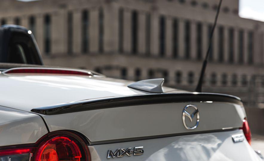 2016 Mazda MX-5 Miata Club - Slide 35
