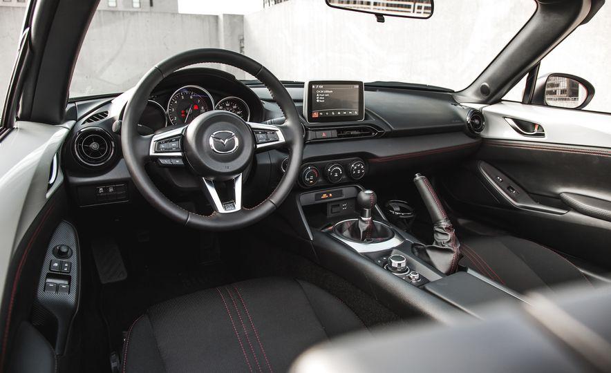 2016 Mazda MX-5 Miata Club - Slide 38