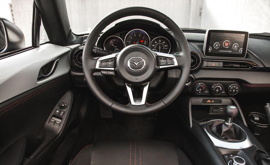 2016 Mazda MX-5 Miata Club - Slide 44