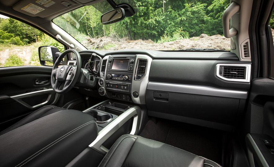 2018 Nissan Titan XD - Slide 34