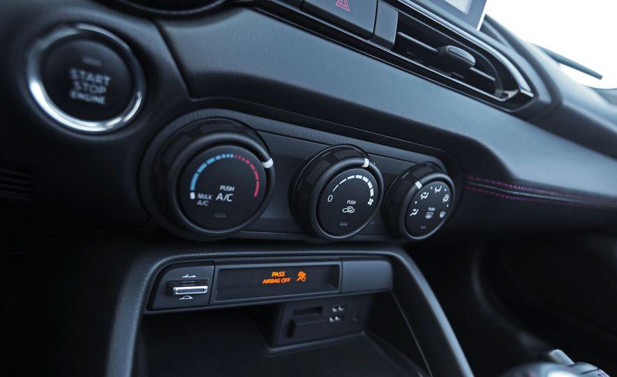 2016 Mazda MX-5 Miata Club - Slide 108