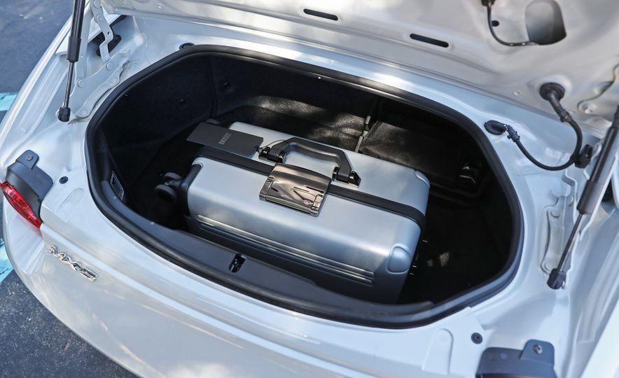 2016 Mazda MX-5 Miata Club - Slide 123