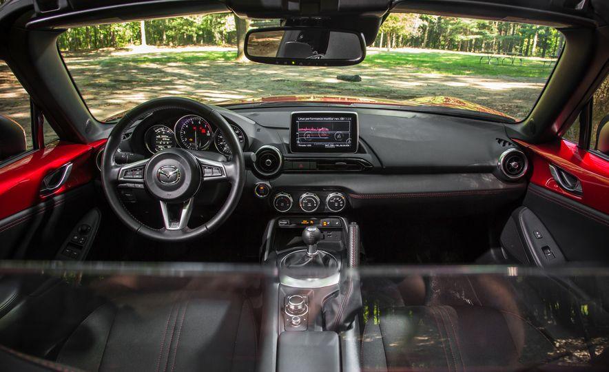 2016 Mazda MX-5 Miata Club - Slide 142