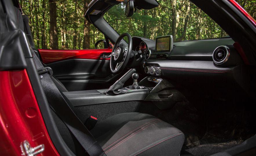 2016 Mazda MX-5 Miata Club - Slide 144
