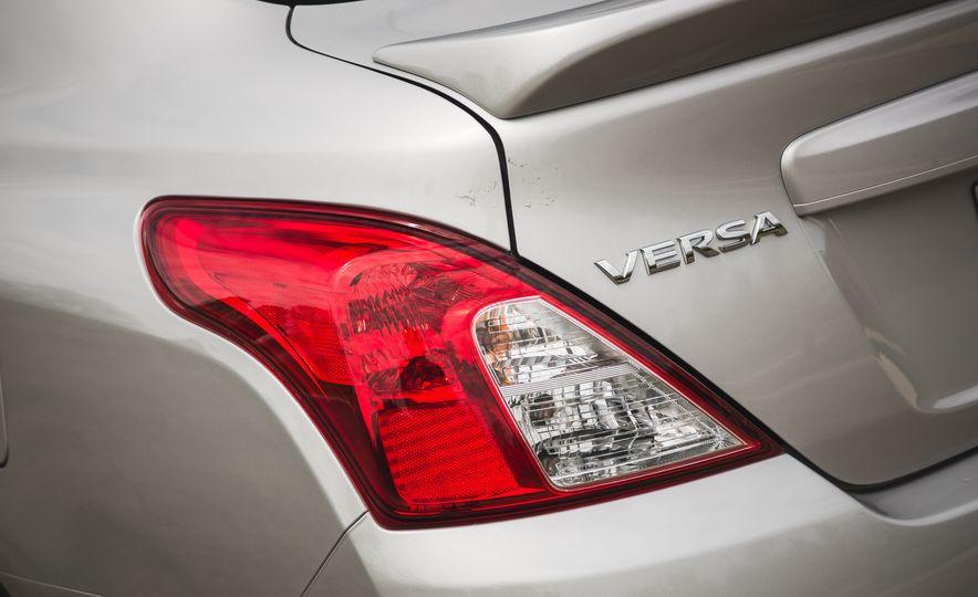 2018 Nissan Versa - Slide 19