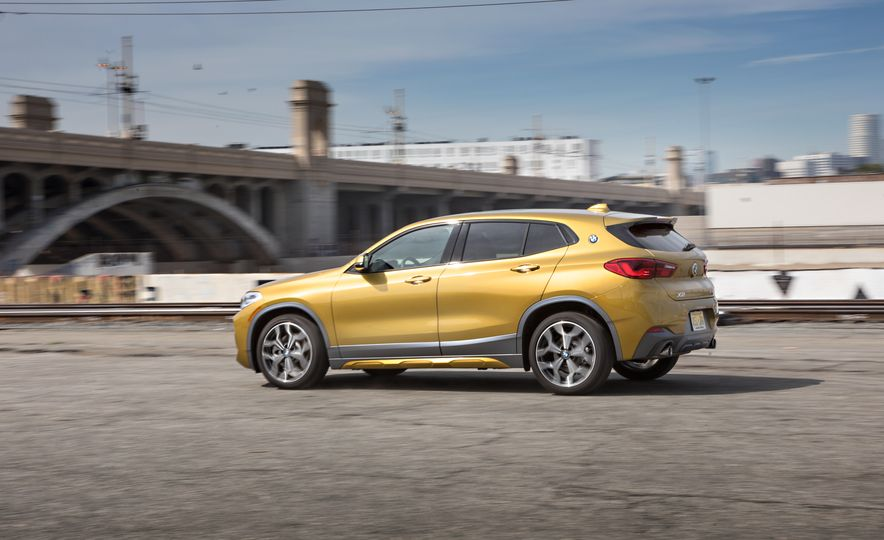 2018 BMW X2 xDrive28i - Slide 4