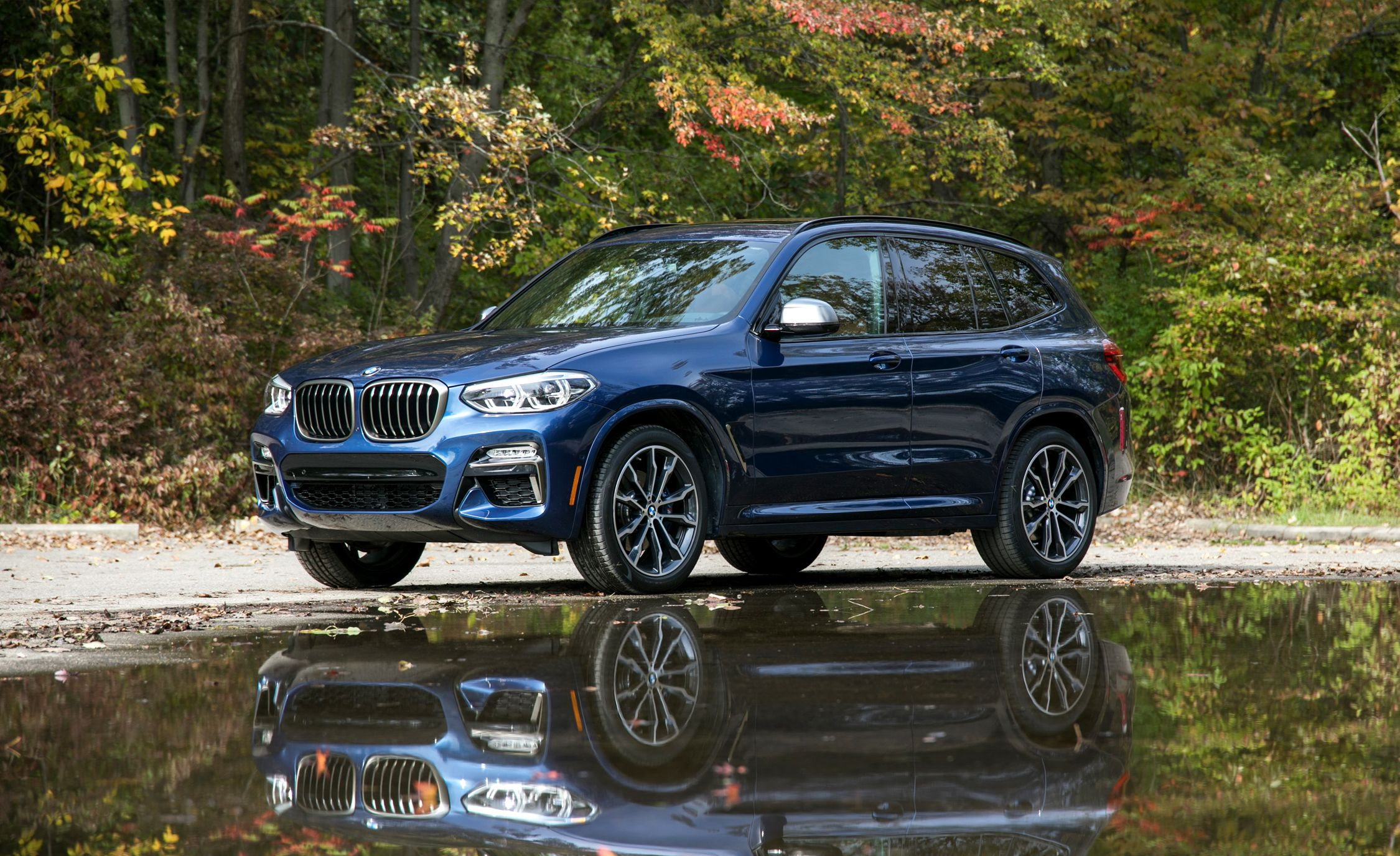 bmw x3 reviews bmw x3 price photos and specs car and driver. Black Bedroom Furniture Sets. Home Design Ideas