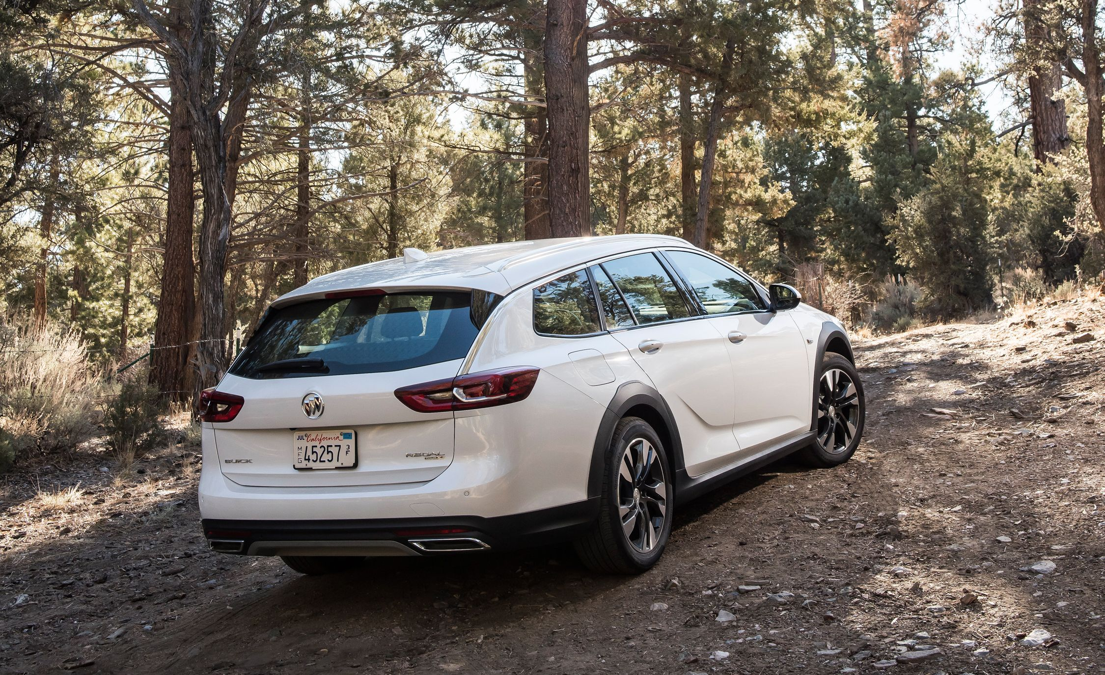 2019 Buick Regal Tourx Reviews Price Photos And Specs Car Driver